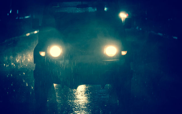 Safety Tips When Driving in the Rainy Season - Use Auto Lights Properly