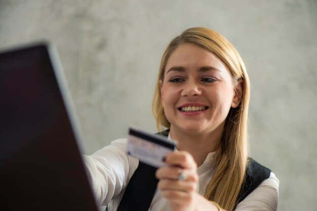 Credit Card Security Tips for Expats | MoneyMax.ph