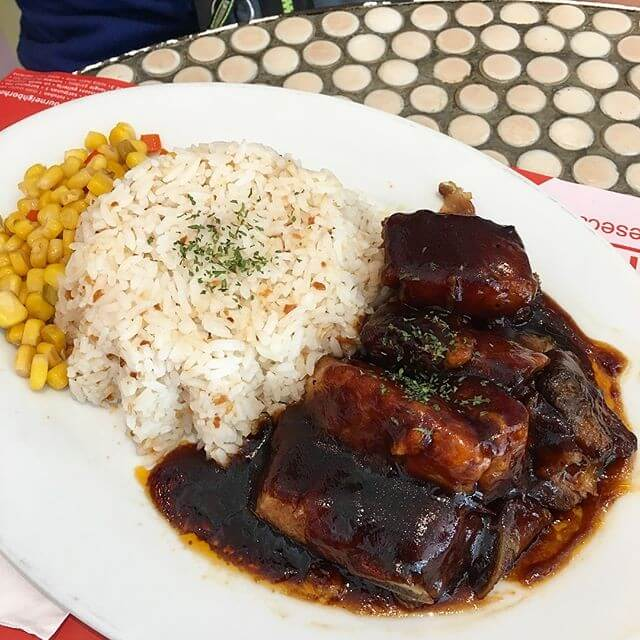 Where to Eat in Makati for Every Budget - Banapple