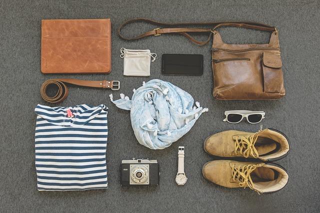 travel essentials checklist - clothing for men