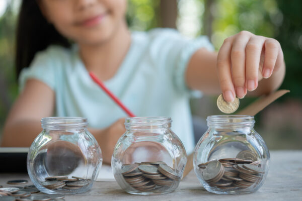 bank account for kids - factors to consider